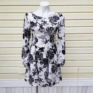 EVERLY FLORAL long sleeved FLARED mini dress XS
